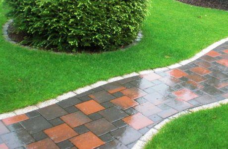 Gehweg und Terrassenplatten verlegen Garten und
